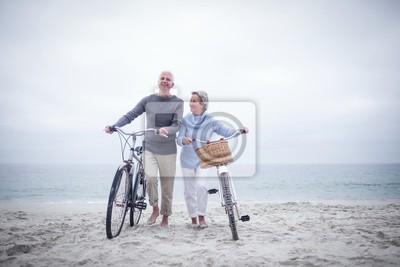 Bild Senior Paar mit dem Fahrrad mit dem Fahrrad