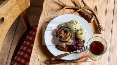 Bild Serving of wild venison goulash and dumplings