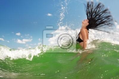 Sexy Mädchen auf dem Wasser