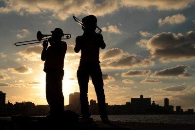 Bild Silhouettes de musiciens devant la ville de La Havane