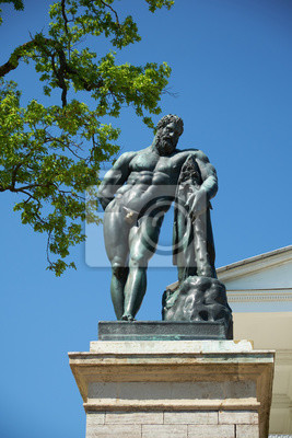 Skulptur Statue von Hercules Catherine Park St. Petersburg
