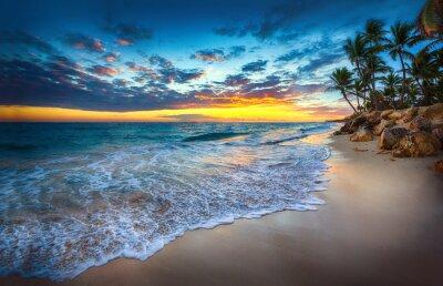 Sonnenaufgang über dem Strand