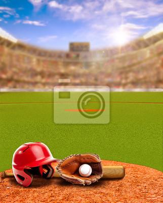 Sonnenuntergang auf Baseball-Stadion mit Ausrüstung und Textfreiraum