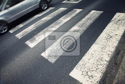 Sorgfältige Fußgängerzone Kreuzung