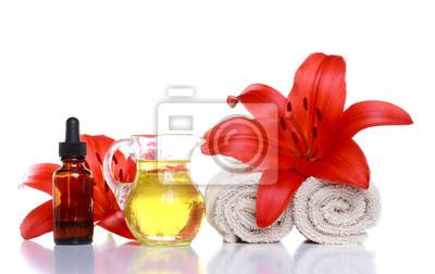 Spa Still Life - Ätherische Öle, Lilien und Handtücher