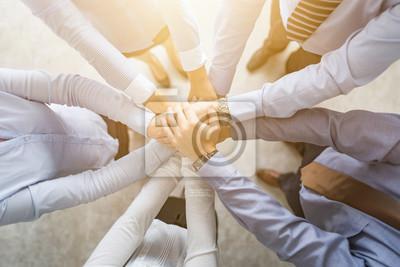 Bild Stapel Hände. Einheit und Teamwork-Konzept.