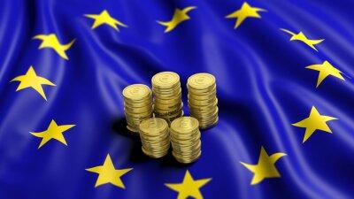 Bild Stapel von Euro-Goldmünzen auf wellenförmige Flagge der Europäischen Union