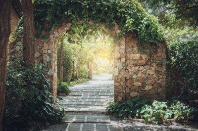 Bild Steinbogen Eingangswand.