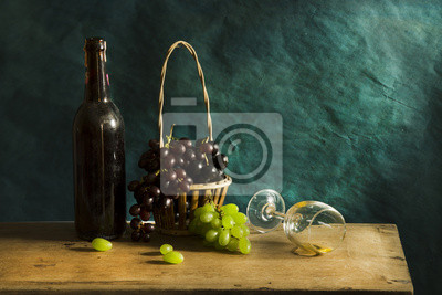 Bild Still life Photography with Old white wine