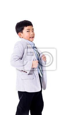 Stolzer Junge in der Klage vorgibt, der Chef zu sein