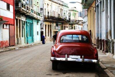 Bild Straßenszene mit Oldtimer in Havanna, Kuba