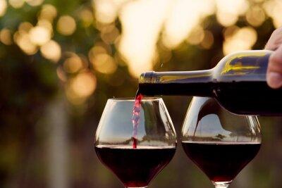 Bild Strömender Rotwein