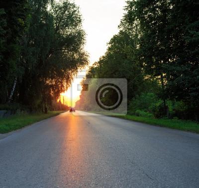 Bild Suburban Road bei Sonnenuntergang