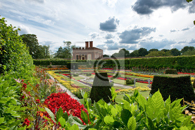 Bild Sunken Garden at Hampton Court Palace, UK