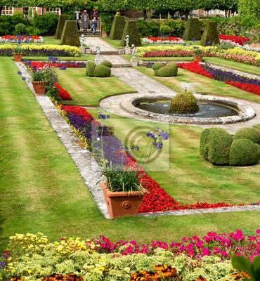 Bild Sunken Gardens in Hampton Court Palace in der Nähe von London