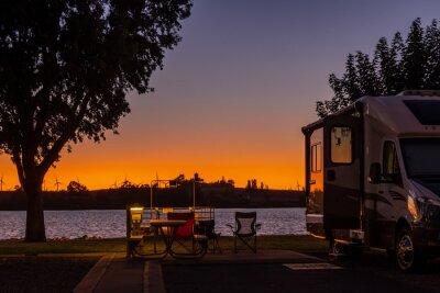 Bild Sunset sky at a Rv park in Rio Vista, Ca. in the delta water way