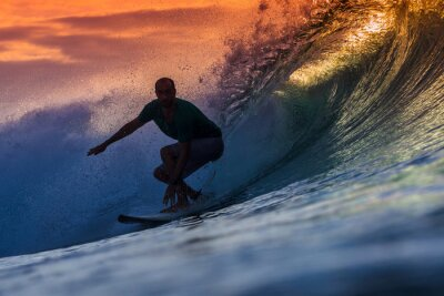 Bild Surfer auf erstaunliche Welle