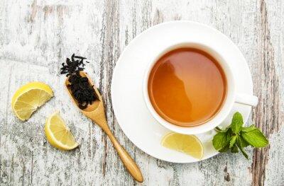 Bild Tasse Tee mit Zitrone und Minze