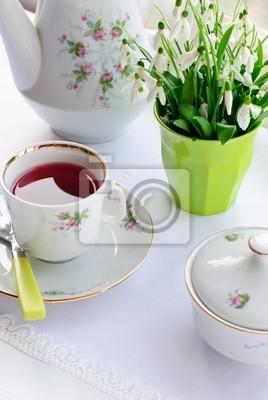 tasse tee und blumen leinwandbilder bilder schneegl ckchen strau bl tenblatt. Black Bedroom Furniture Sets. Home Design Ideas