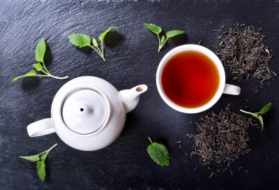 Bild Teekanne und Tasse Tee mit Minze