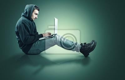 Teenager und Laptop