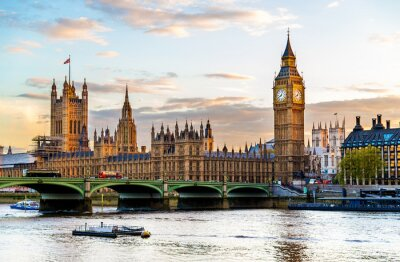 Bild The Palace of Westminster in London in the evening - England
