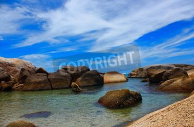 Bild The sea beautiful beachand clear water fresh air Swimming cold sea.