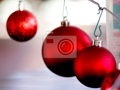Bild three red balls