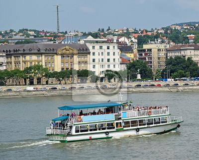 the best attitude 06376 8c761 Bild: Touristische boot auf der donau, budapest stadt