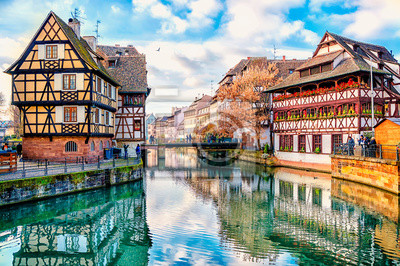Bild Traditional half-timbered houses on the canals district La Petite France in Strasbourg, UNESCO World Heritage Site, Alsace, France