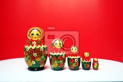 traditionelle russische holzpuppen matrjoschka russische matrjoschka matrjoschka. Black Bedroom Furniture Sets. Home Design Ideas