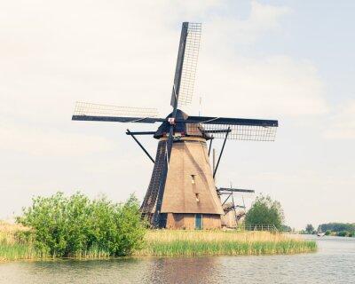 Bild traditionelle Windmühle in den Niederlanden