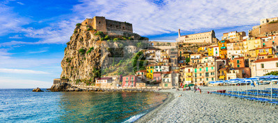 Bild Travel in Calabria, Scilla medieval town with great beach. South of Italy