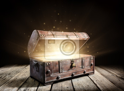 Bild Treasure Chest - Open Ancient Trunk With Glowing Magic Lights In The Dark