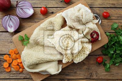 Trippa cruda auf tavolo di cucina rustico leinwandbilder • bilder ...