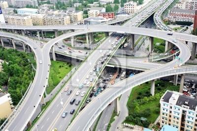 Überführung und viele Autos in Hangzhou