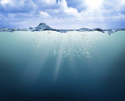 Bild Unterwasser-Ansicht mit blauem Wasser