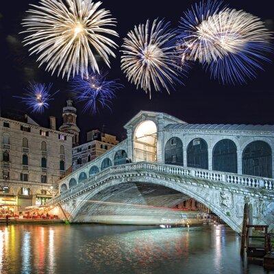 Bild Venedig Italien, Feuerwerk über der Rialto-Brücke bei Nacht