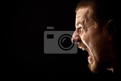 Bild Verärgerter Mann schreiend in extremer Wut