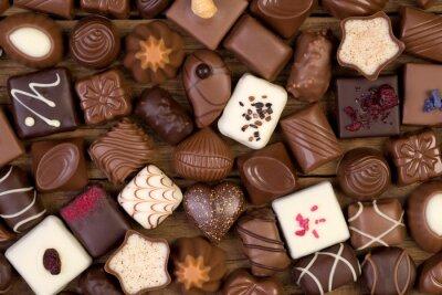 Bild Verschiedene Schokolade auf Holzuntergrund