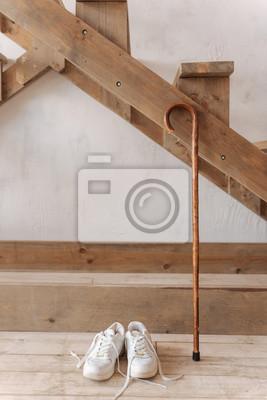 Bild Vertikale Foto Der Weiblichen Schuhe Stehen Auf Holzboden