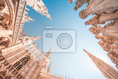 Bild view of Gothic architecture and art on the roof of Milan Cathedral (Duomo di Milano), Italy
