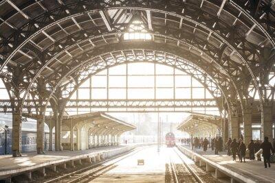 Bild Vintage Bahnhof mit Metalldach