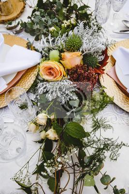 Vintage Tischdekoration Auf Hochzeit Mit Blumen Leinwandbilder