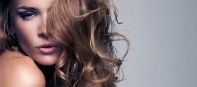 Bild Vogue-Stil Porträt der schönen zarten Frau