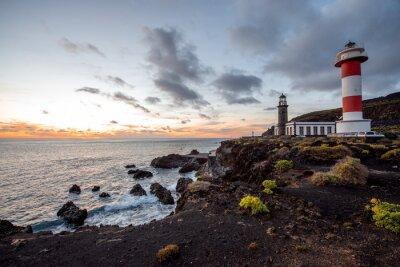 Bild Vulkanische Landschaft mit Leuchtturm in der Nähe Salz Fabrik Fuencaliente auf der Insel La Palma in Spanien