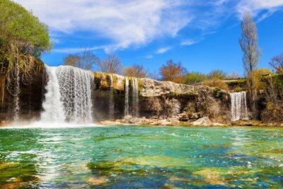 Bild Wasserfälle von Jerea Fluss in Pedrosa de Tobalina, in der Provinz Burgos, Spanien