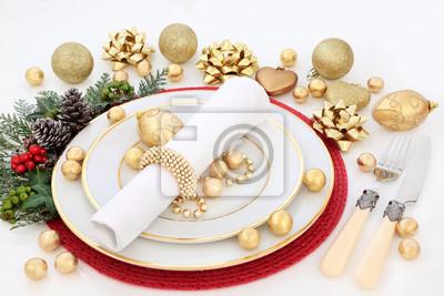 Porzellan Weihnachten.Bild Weihnachten Tisch Tisch Mit Porzellan Teller Serviette Gold
