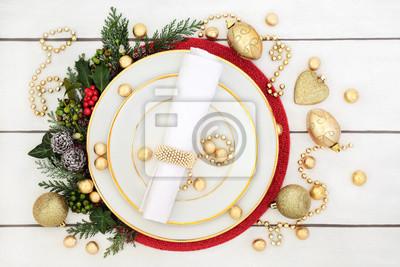 Weihnachtsessen Tischdekoration Mit Porzellan Teller Serviette