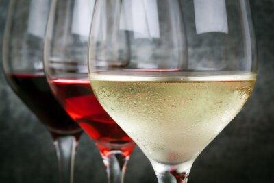 Bild Weiße Rose und Rotwein